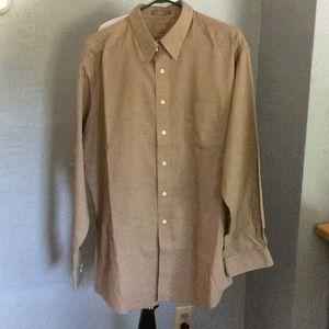 Haggar Clothing Co. 17 1/2 / 36 wrinkle free shirt